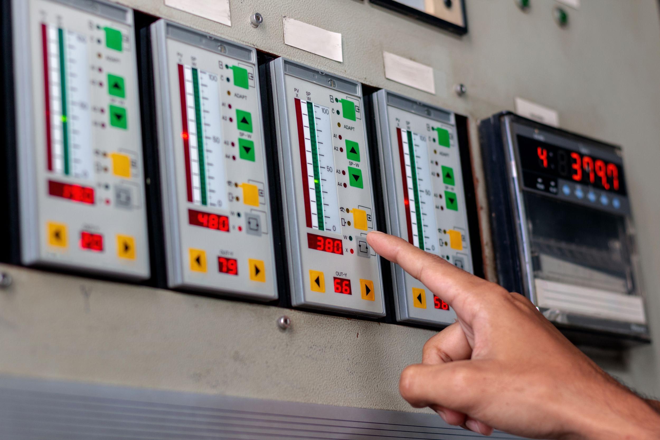 Building management controls